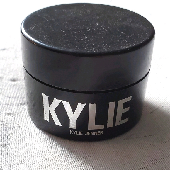 2/$30 Kylie Cosmetics Loose Highlighter